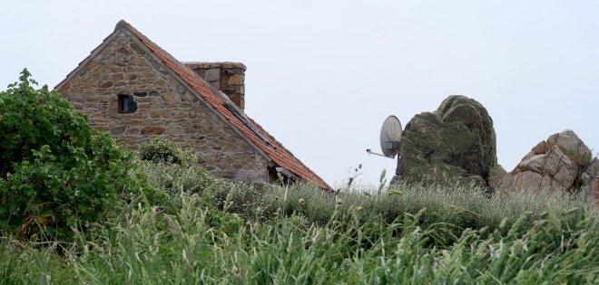 Le Gouffre Satellitenschüssel