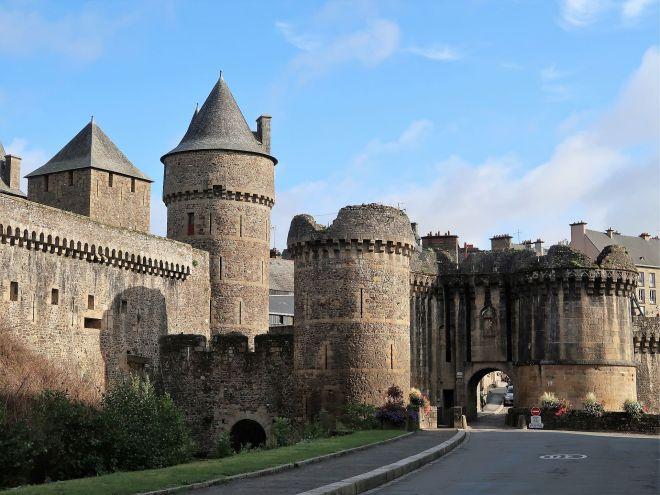 Aussenmauer in Fougeres