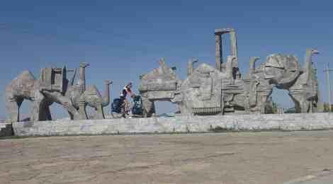 Van kaal Kazachstan naar kierewiet Kyrgyzstan