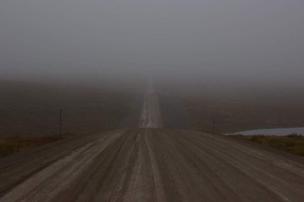 De plakweg in de mist
