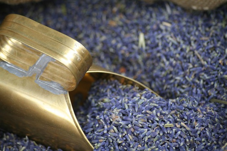 The Benefits Of Lavender: Cleaning