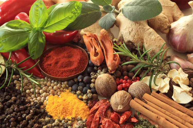 You likely already know how to use medicinal herbs as food. These include pepper, basil, ginger, oregano, garlic, thyme, cinnamon and so many more. #MedicinalHerbs #MedicinalPlants #FoodAsMedicine #HealingFoods #Herbalism #HerbalMedicine #HerbalismCourses #OnlineHerbalCourse