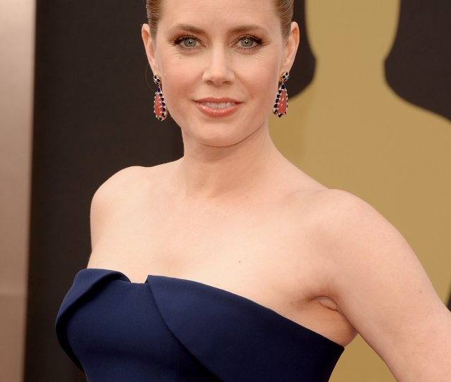 Amy Adams Cup Size