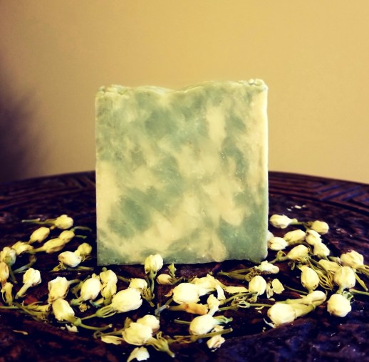 Avocado aloe bar: This bar is gentle enough for your face and body. It is made with organic, skin loving oils, therapeutic grade essential oils, fresh aloe juice and avocado puree.