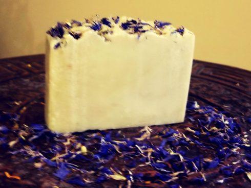 Castile bar: gentle (olive oil) soap very sensitive skin