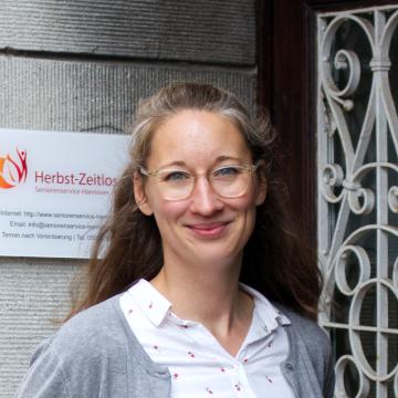 Kontakt Geschäftsführerin Betreuung Janka Fleshman von Herbst-Zeitlos in Neustadt am Rübenberge und Region Hannover