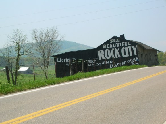 tennessee-highway-rock-city