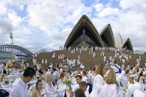 【Sydney Life】Diner en Blanc 2015 at the Opera House .::The most romantic and magical night in Sydney – Photos & FAQ for DeB noobies::.