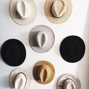 hat-wall