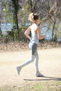 workout outfit, outdoor voices, motivating fitness