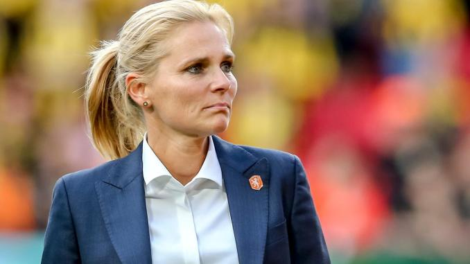 Sarina Wiegman on the sidelines at the 2019 World Cup.