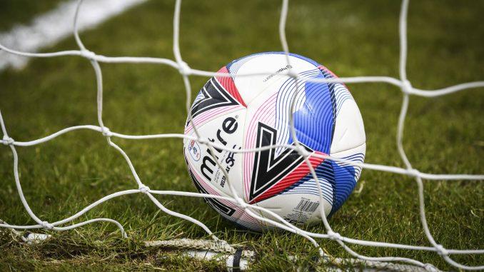 Mitre Delta match ball.