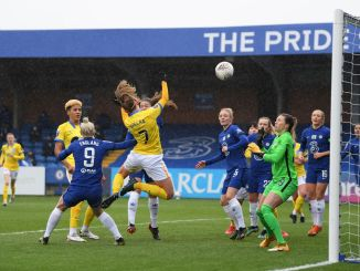 Aileen Whelan of Brighton & Hove Albion scores their side's first goal.