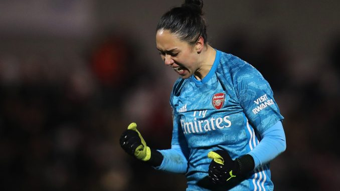 Manuela Zinsberger of Arsenal celebrates victory.