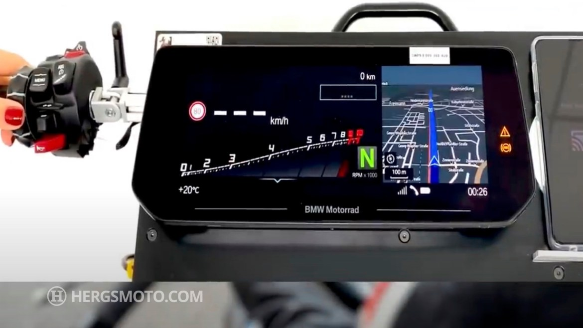 New larger BMW TFT dash!