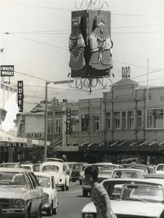decorations-high-st-1974-eve-post-001