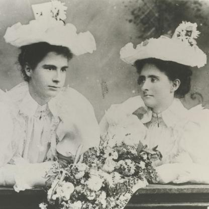 Ada and Doll Welch at the wedding of Fred and Bertha Welch in 1897. Hutt City Libraries Collection.