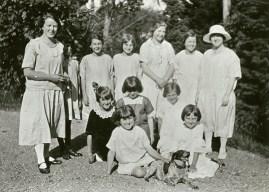 St. Stephen's Sunday School Class of 1925 (http://bit.ly/2BGBQD6)