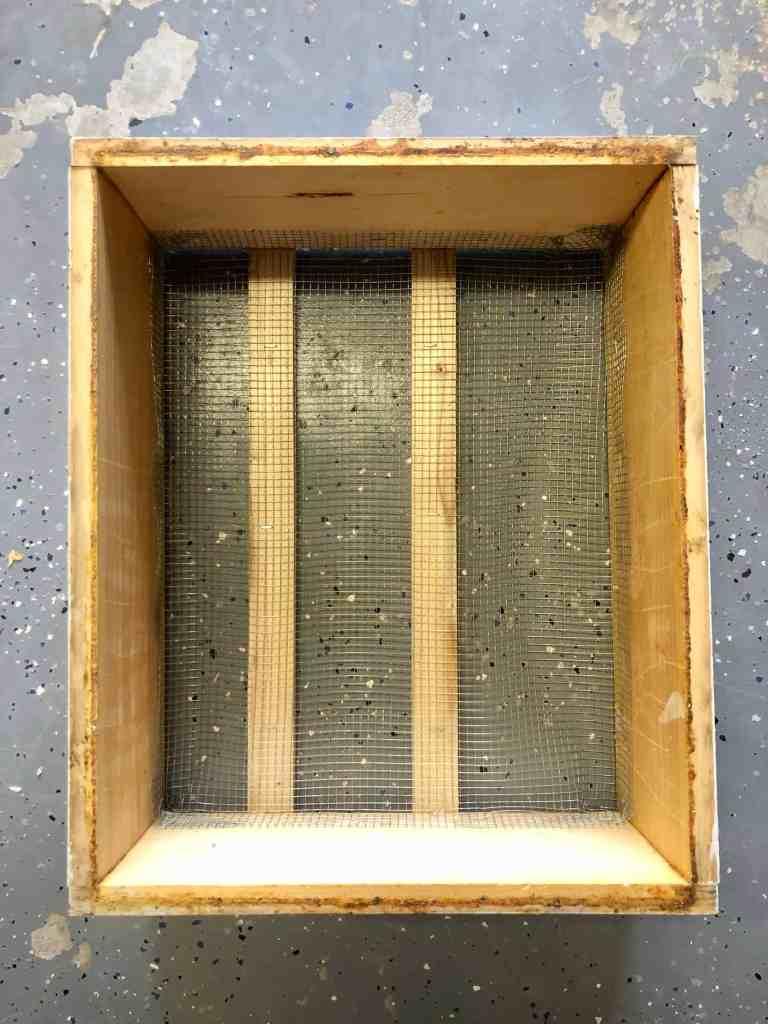 DIY Bee Hive Green Roof 6