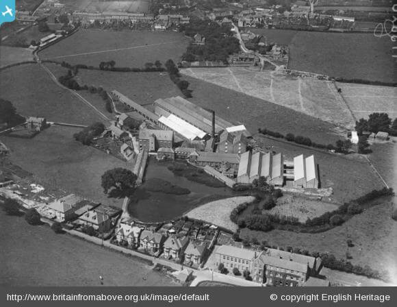 """North Mills, Bridport, 1925: """"...where I received my early education at the hands of some pretty tough nuns!"""""""