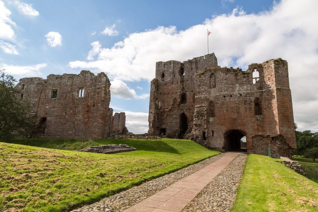 Brougham Castle, Cumbria (c) alh1 via Flickr