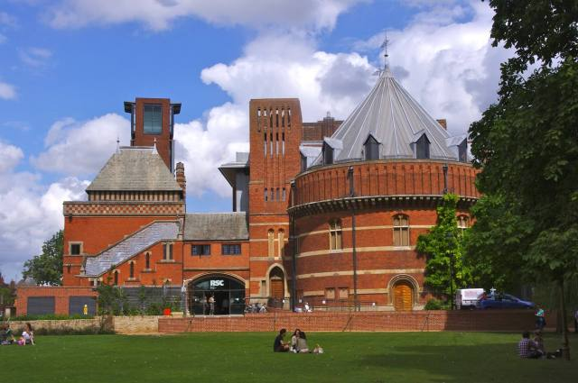 Royal Shakespeare Theatre, Stratford-upon-Avon (c) David Merrett via Flickr