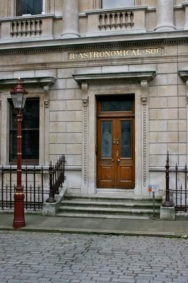 Entrance_to_the_Royal_Astronomical_Society_3 Jocelyn