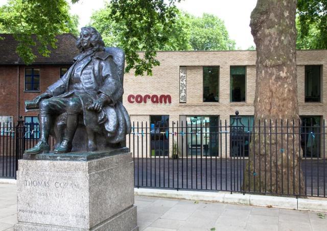 Thomas Coram Statue 2