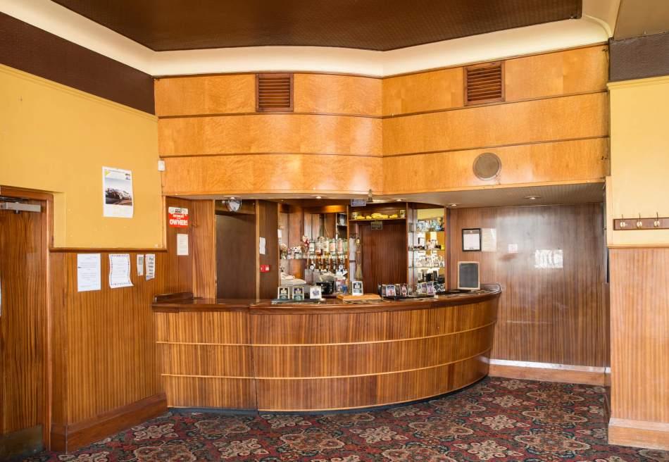 Queen Bess - lounge bar DP197422