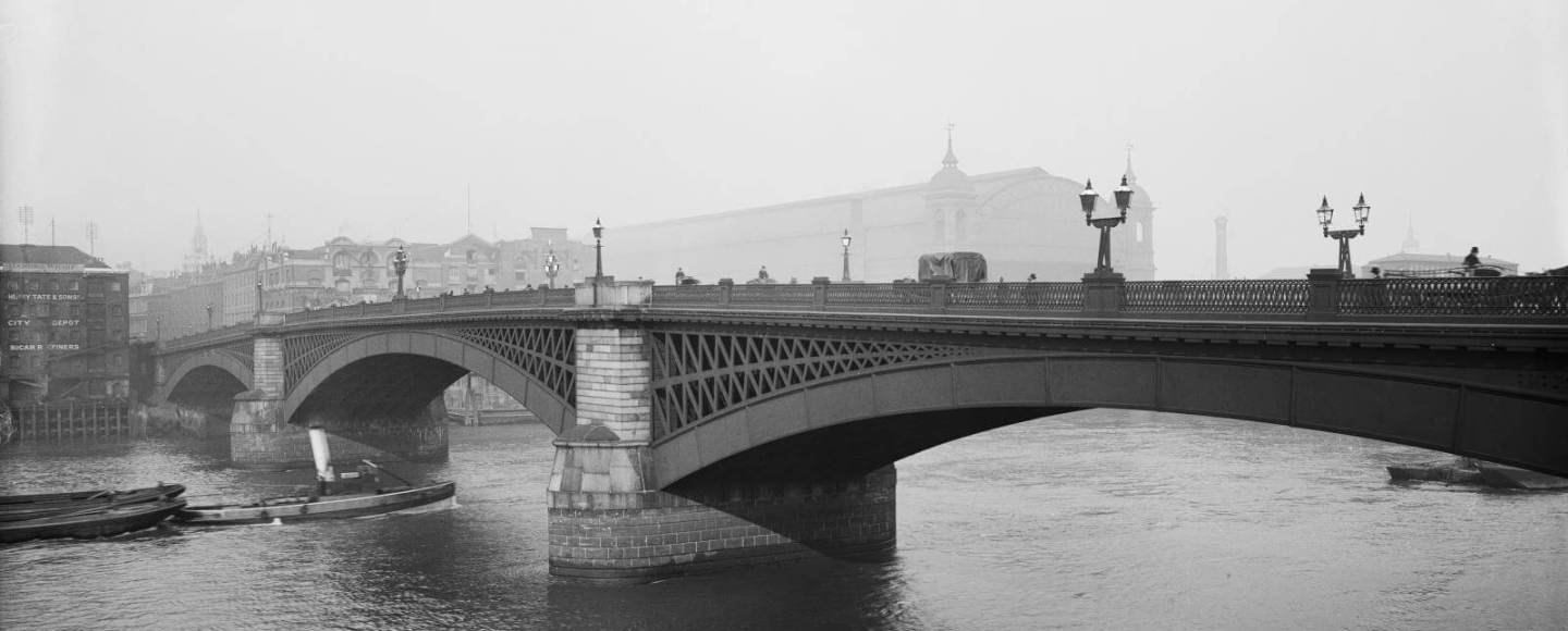 A view of the Old Southwark Bridge