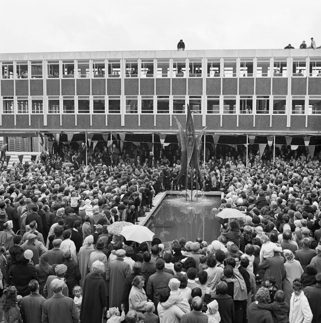 A big crowd at the opening of a shopping centre