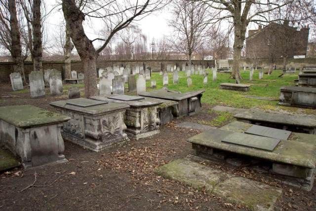 Alderney Road Jewish Cemetery