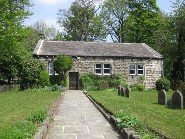Exterior of Quaker Meeting House, Quakers Lane, Rawdon, Leeds, West Yorkshire. Image via Wikimedia Commons