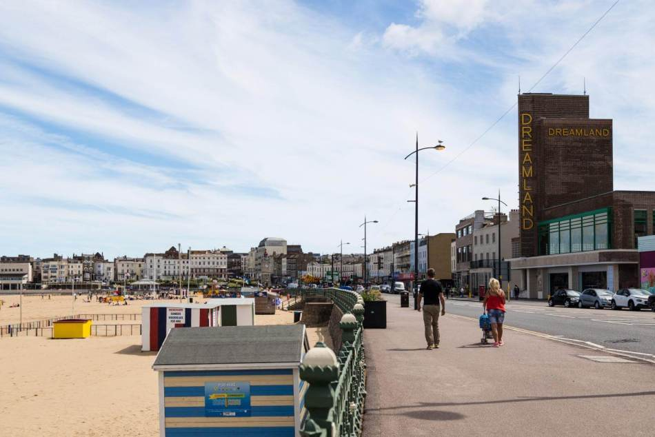 Margate seafront with Dreamland Cinema on the right, 2017 © Historic England Archive DP247040