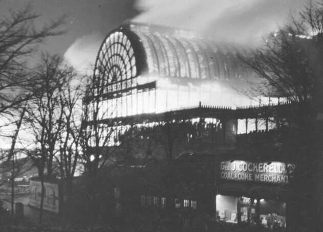 The Crystal Palace, Sydenham, London, caught fire on the night of 30 November 1936. The enormous glass edifice was virtually destroyed, along with Baird's television complex. Image in the public domain.
