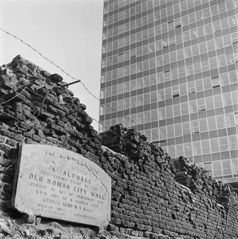 A plaque marking the Old Roman City Walls