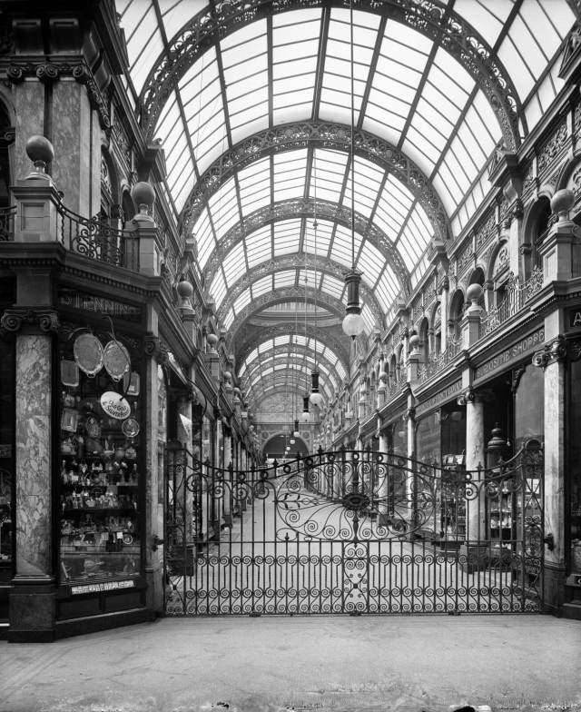 County Arcade, Leeds, 1904 © Historic England Archive BL18252