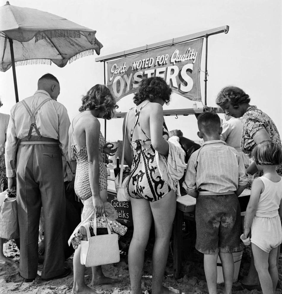 Oyster Stall on the beach at Blackpool, 1946-1955 © Historic England Archive AA047923