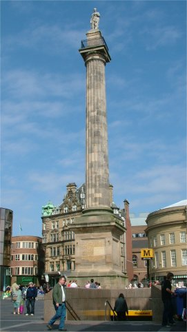 Grey's Monument. Tagishsimon via Wikimedia