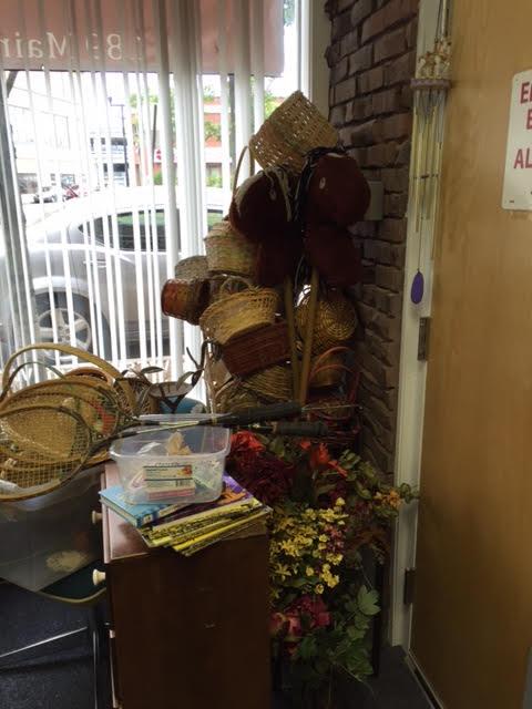 Kids Games, Baskets, Vases and Other Crafts For Sale!
