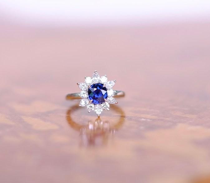 Unheat Royal Blue Sapphire Snowflake Design