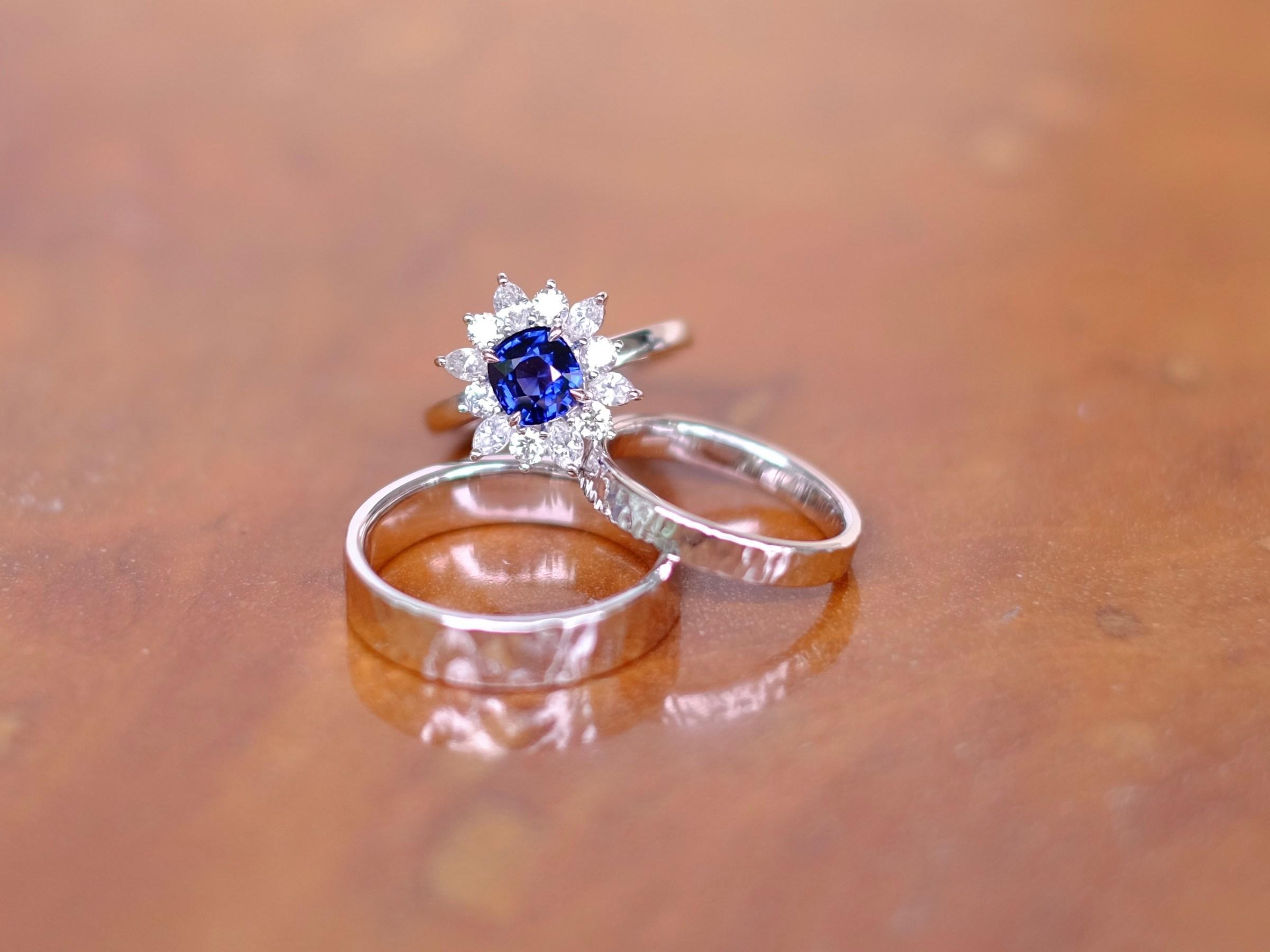 Unheated Sapphire in Signature Snowflake Design