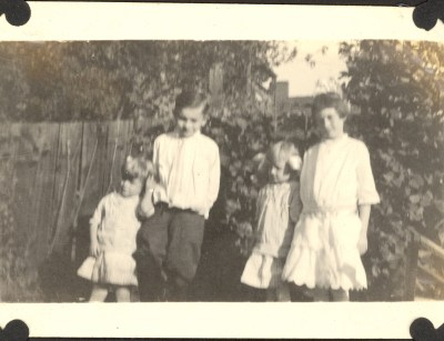 From left: Viola Helbling, Edgar Helbling, May Helbling, and possibly Roberta P. Beerbower? October 1910
