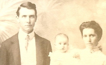 1904 Underwood Family Portrait-William Franklin Underwood and Nellie Bethel Goodson Underwood with their daughter Ethel Emily Adline Underwood-cropped.