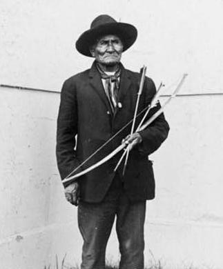 Geronimo at 1904 Louisiana Purchase Exposition. Via Wikimedia, public domain.