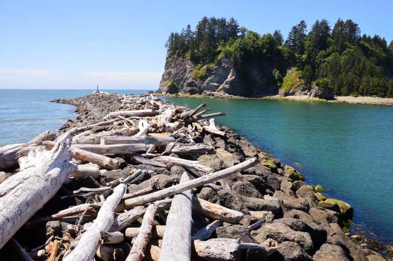 Everything you must know before visiting Olympic National Park in Washington, USA. Hikes, campgrounds, and the best stops for your road trip. | Her Life Adventures | #olympic #nationalpark #usadestinations #washington #hikes #thingstodo #roadtrip #lodging #itinerary #guide