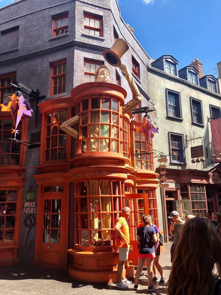 A Muggle's Guide to the Wizarding World of Harry Potter