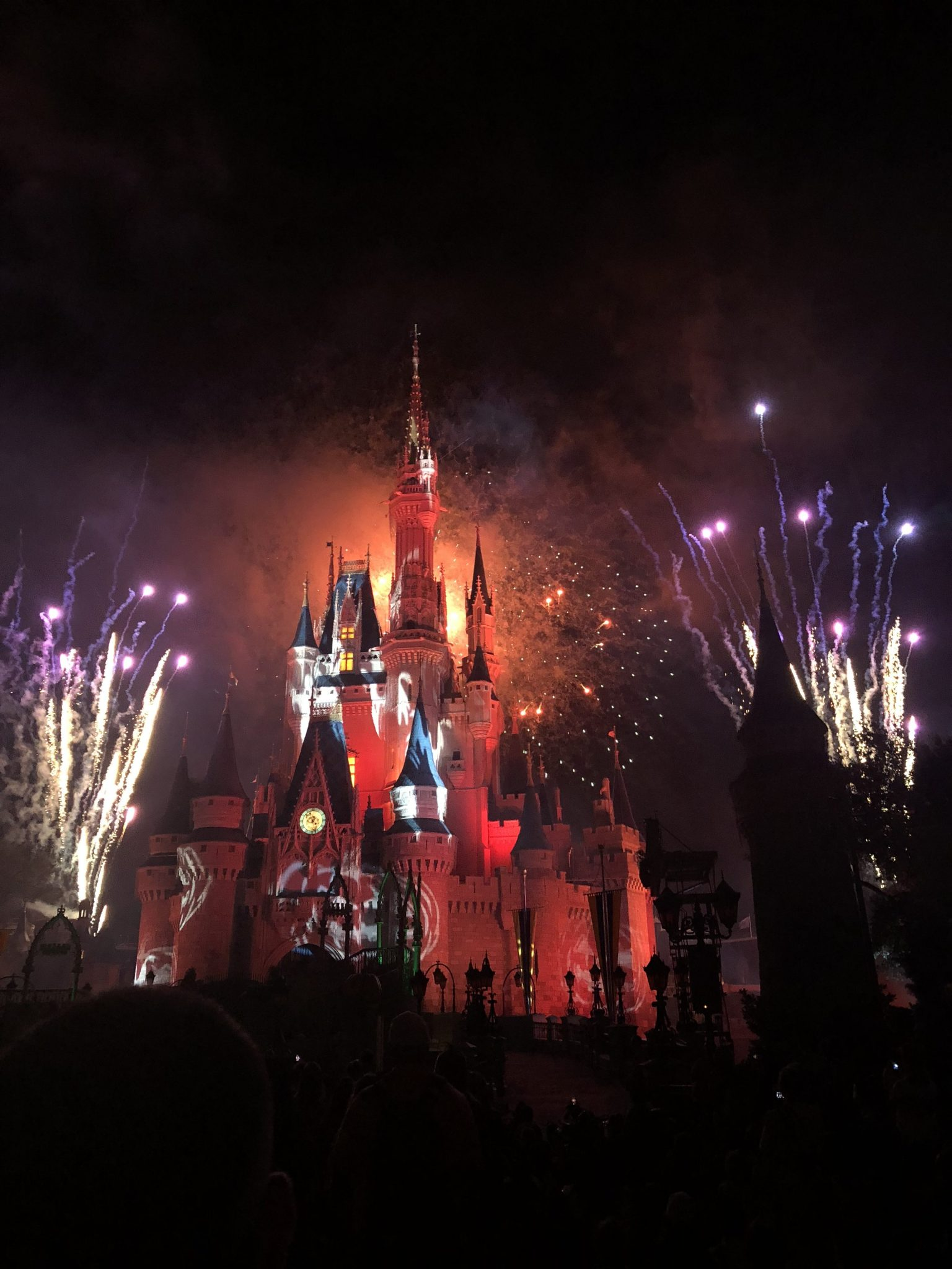 Happy Hallowishes Fireworks | Mickeys Not So Scary: Disneys Spookiest Party | www.herlifeinruins.com