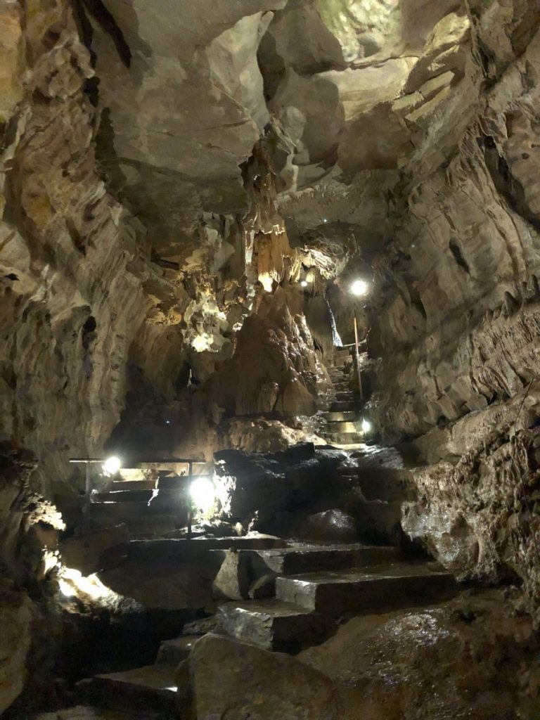 Her Life in Ruins   An Adventure at Kentucky Down Under - Mammoth Onyx Cave