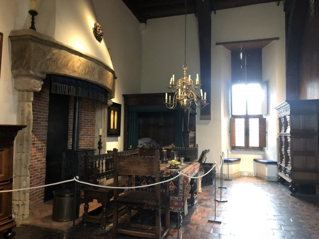 Royal bedchambers at Muiderslot Castle | Her Life in Ruins